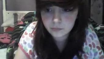 girls-naked-school-girl-sucks-boyfriend-on-webcam-giral